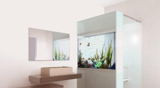 Bagno: Doccia con Acquario murato