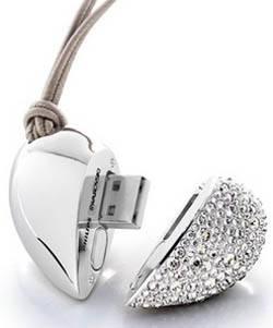 Active Crystal Collection: le chiavette USB si fanno preziose