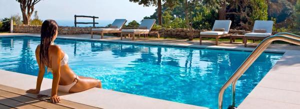 Piscine rettangolari fuori terra, laghetti e piscine tradizionali