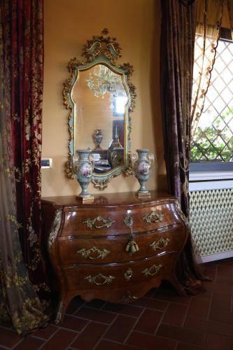 Riproduzione mobili antichi arte low cost per la tua casa for Arredamenti low cost
